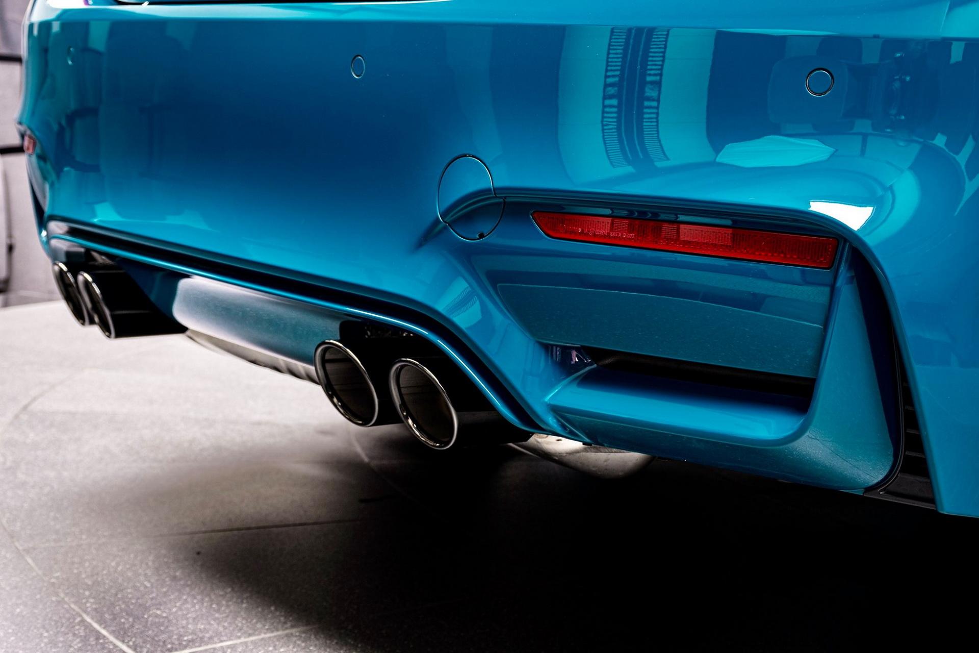 BMW-M4-Edition-M-Heritage-Abu-Dhabi-Motors-14