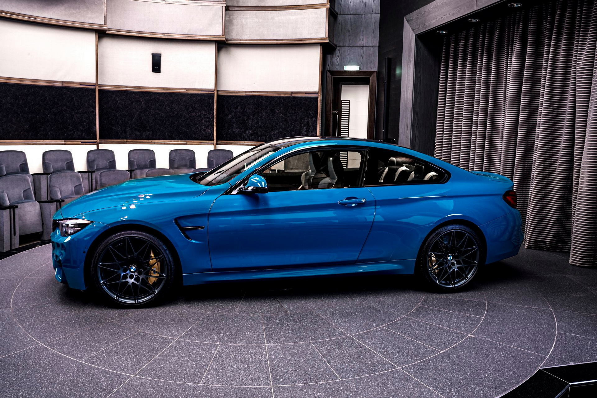 BMW-M4-Edition-M-Heritage-Abu-Dhabi-Motors-28