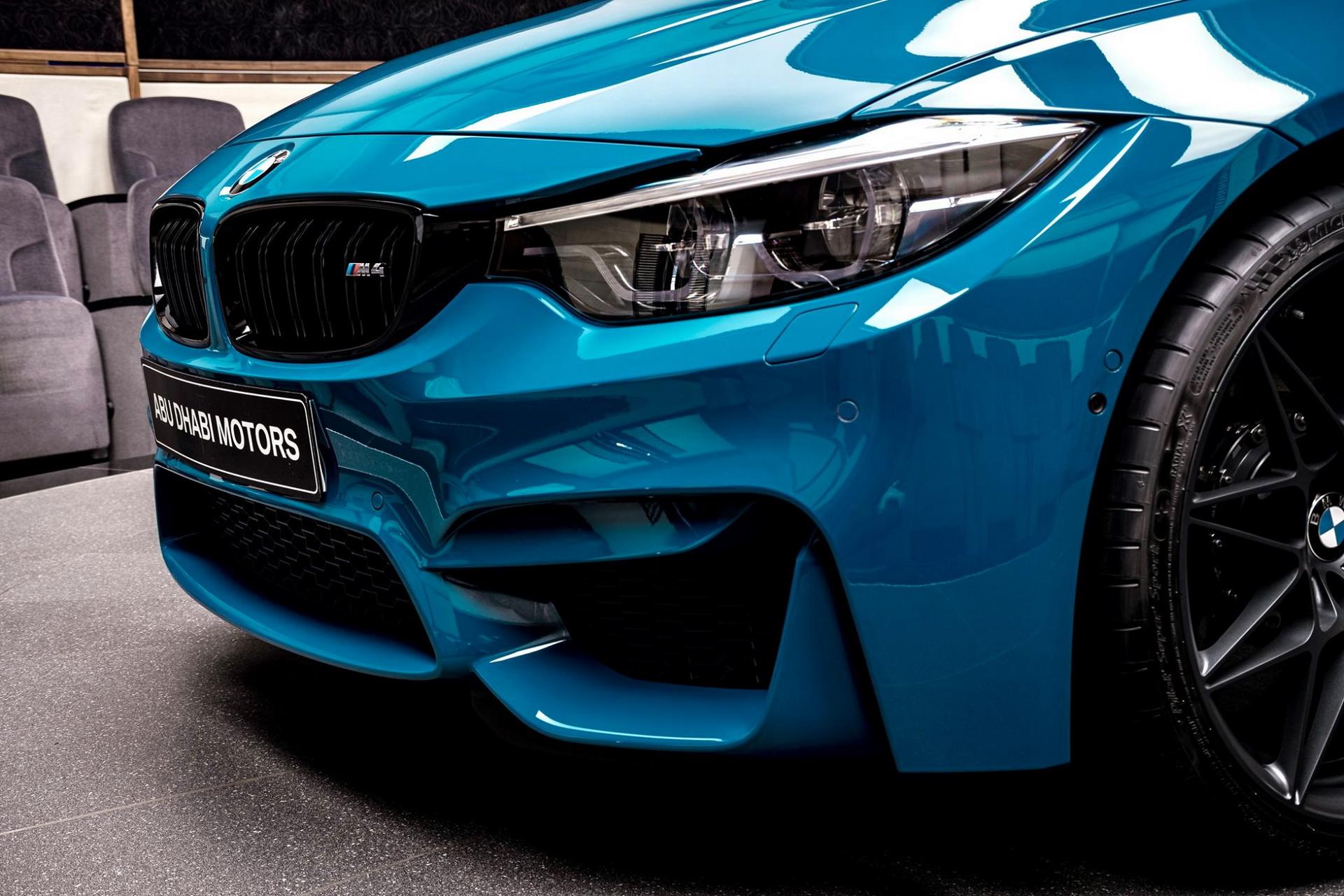 BMW-M4-Edition-M-Heritage-Abu-Dhabi-Motors-30