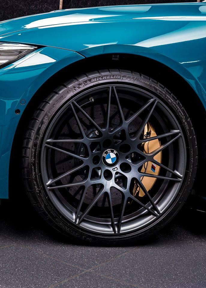 BMW-M4-Edition-M-Heritage-Abu-Dhabi-Motors-5
