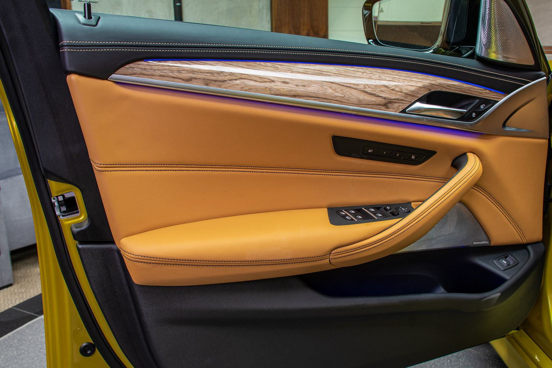 BMW-M5-Competition-Austin-Yellow-Abu-Dhabi-Motors-29