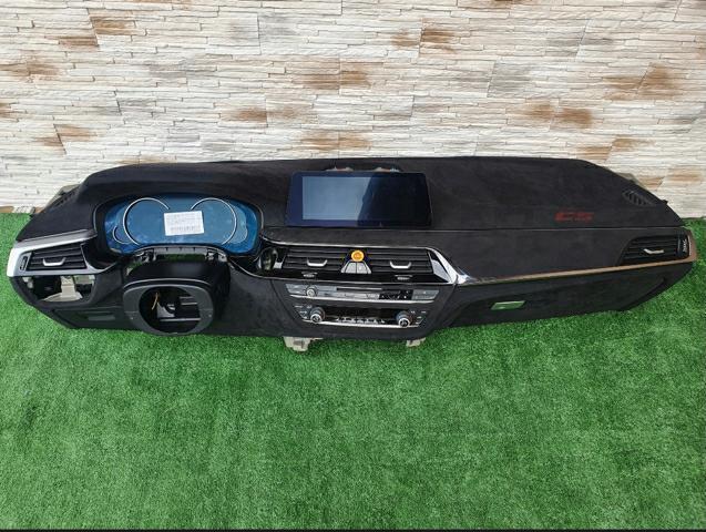 BMW_M5_CS_parts_leaked_0000