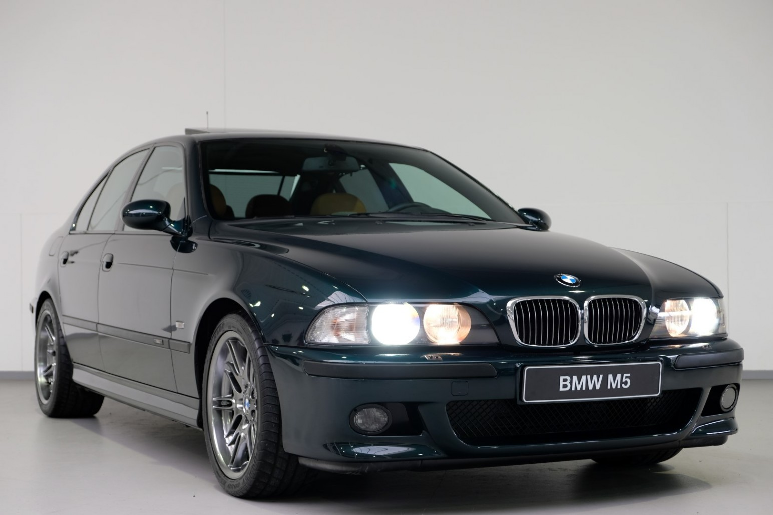BMW-M5-E39-1999-for-sale-26