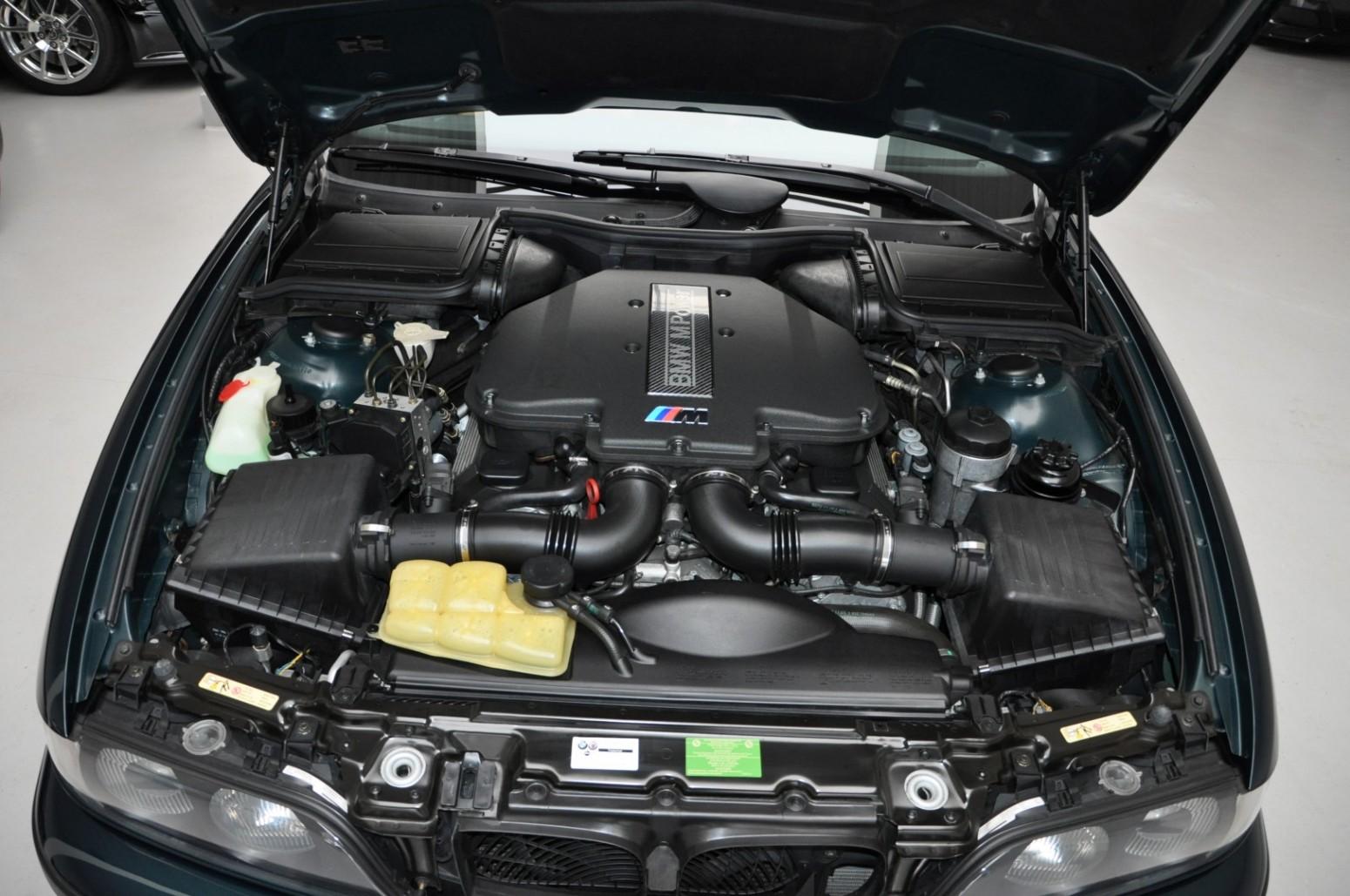 BMW-M5-E39-1999-for-sale-33