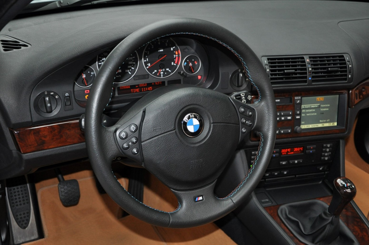 BMW-M5-E39-1999-for-sale-50