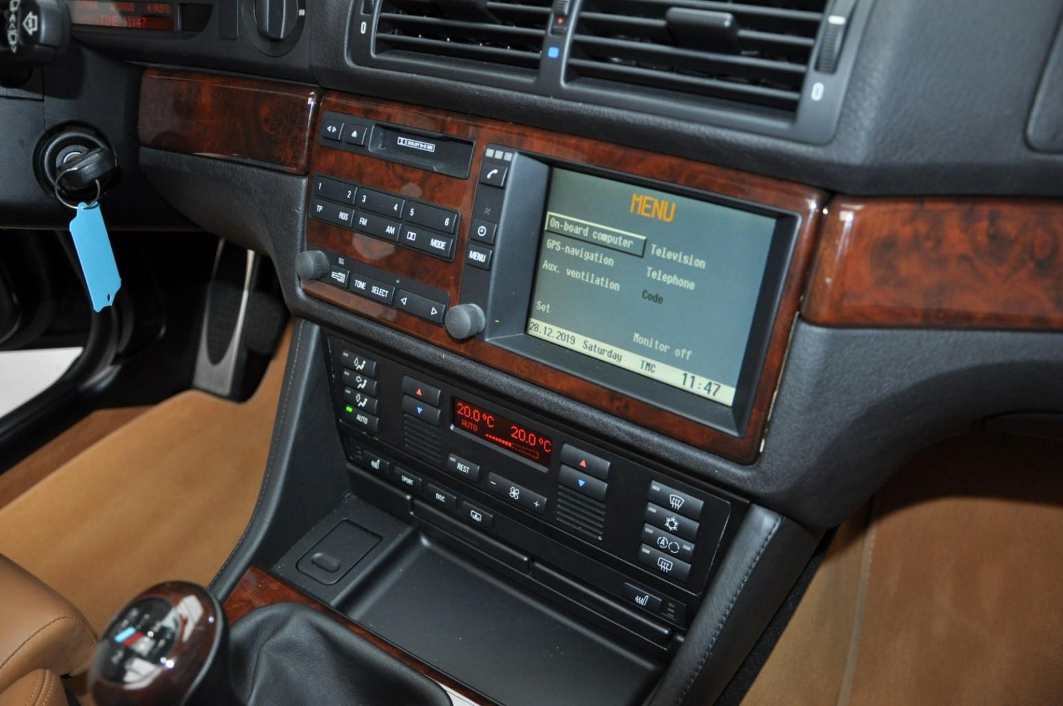BMW-M5-E39-1999-for-sale-55