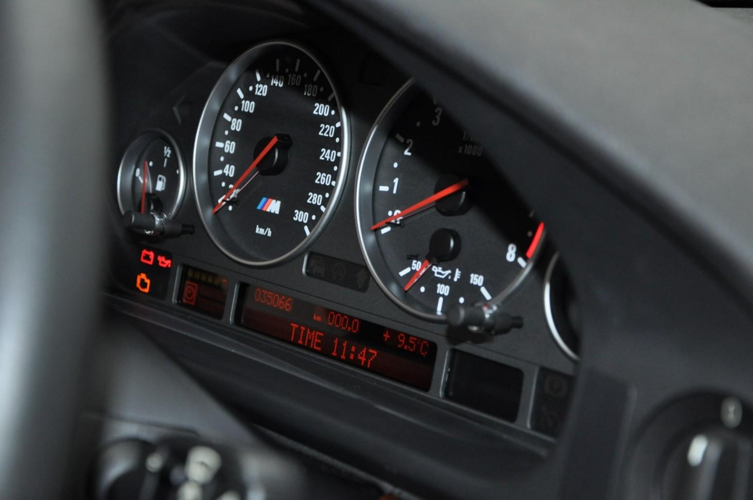 BMW-M5-E39-1999-for-sale-56
