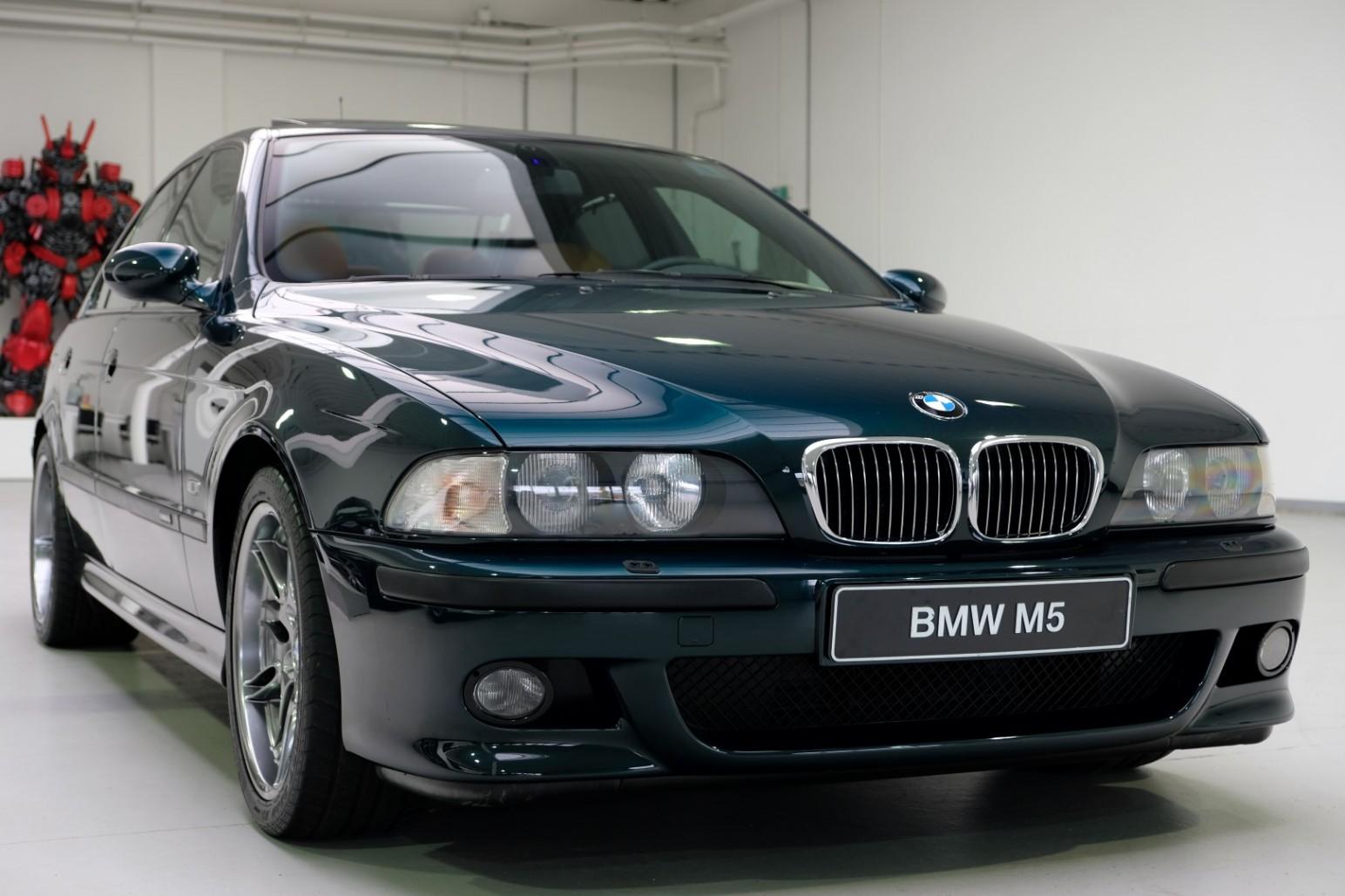 BMW-M5-E39-1999-for-sale-9