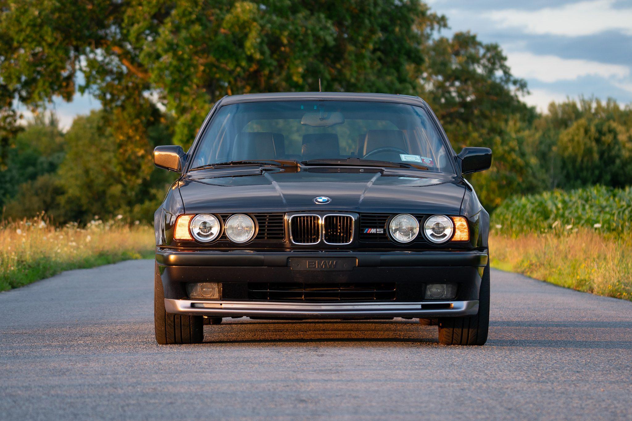 1992_BMW_M5_Touring_sale_0001