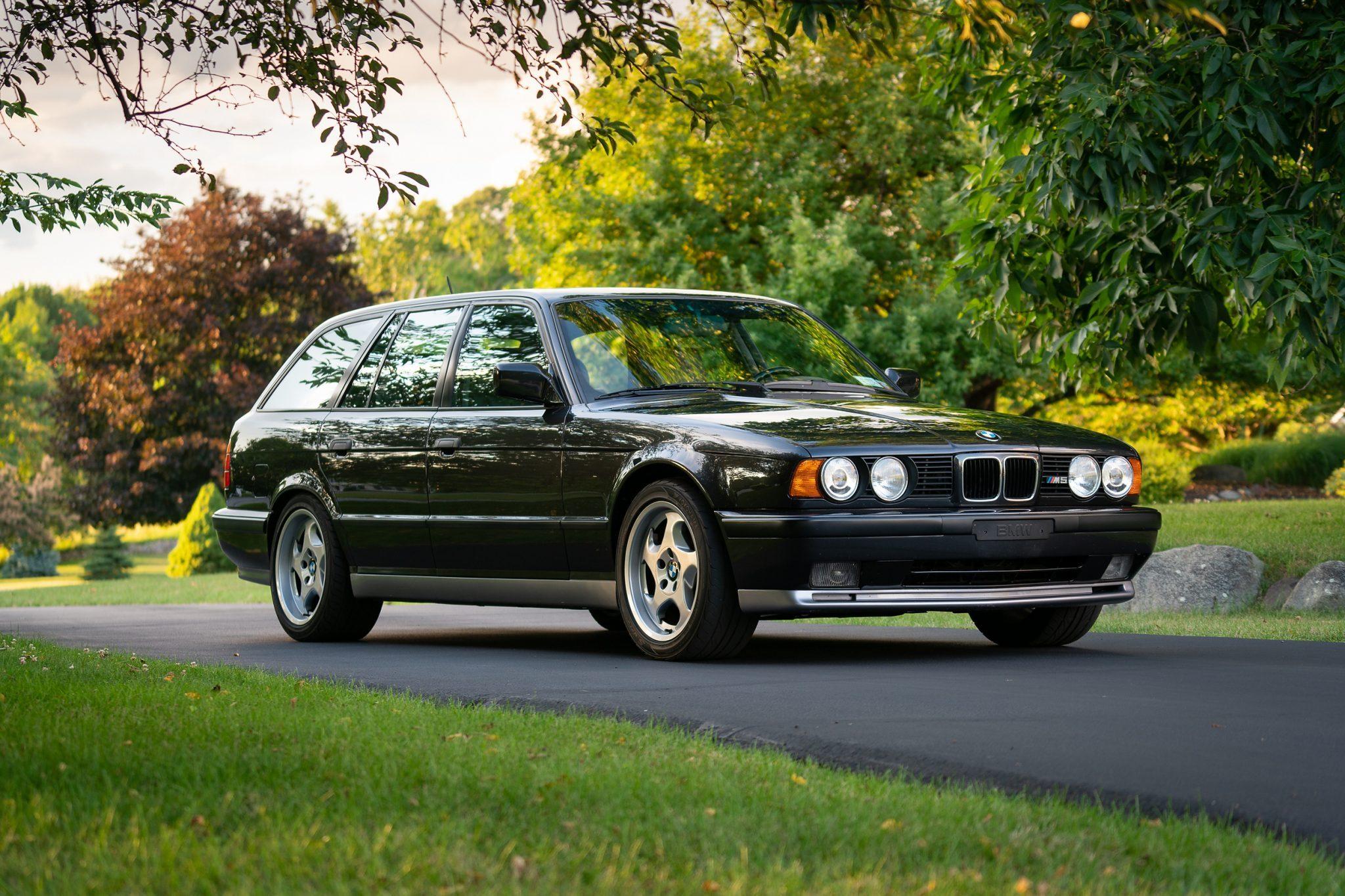 1992_BMW_M5_Touring_sale_0002