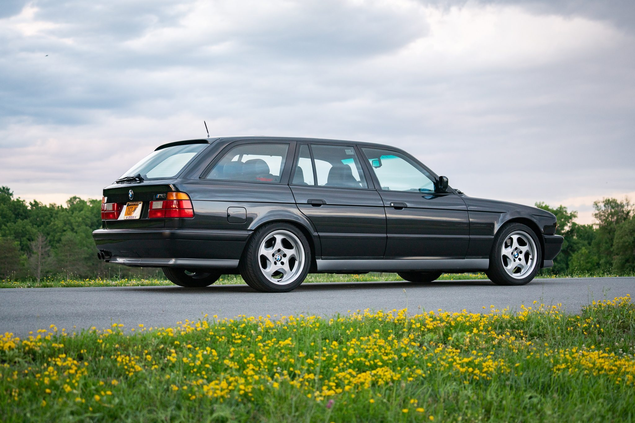 1992_BMW_M5_Touring_sale_0003