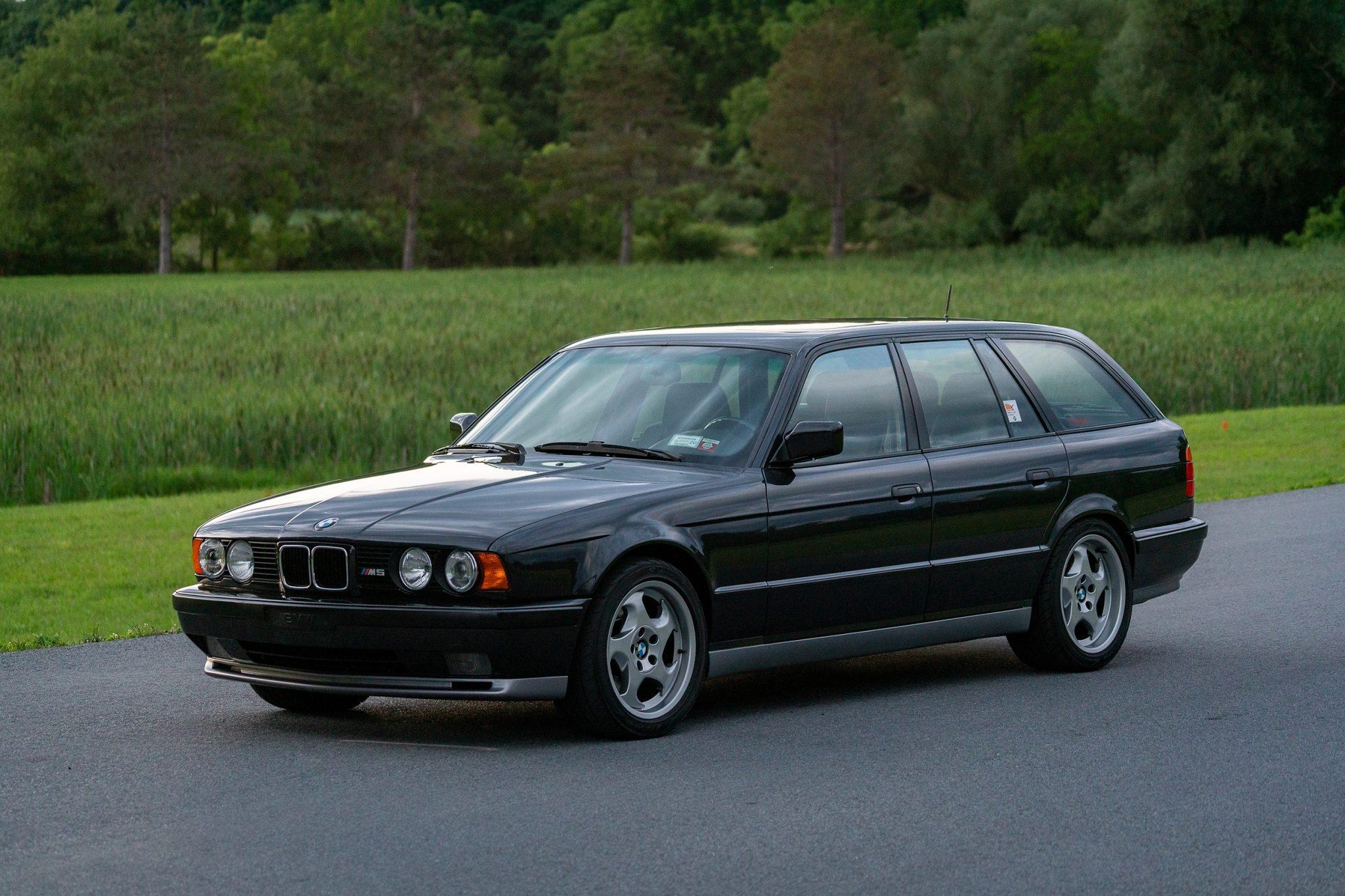 1992_BMW_M5_Touring_sale_0008