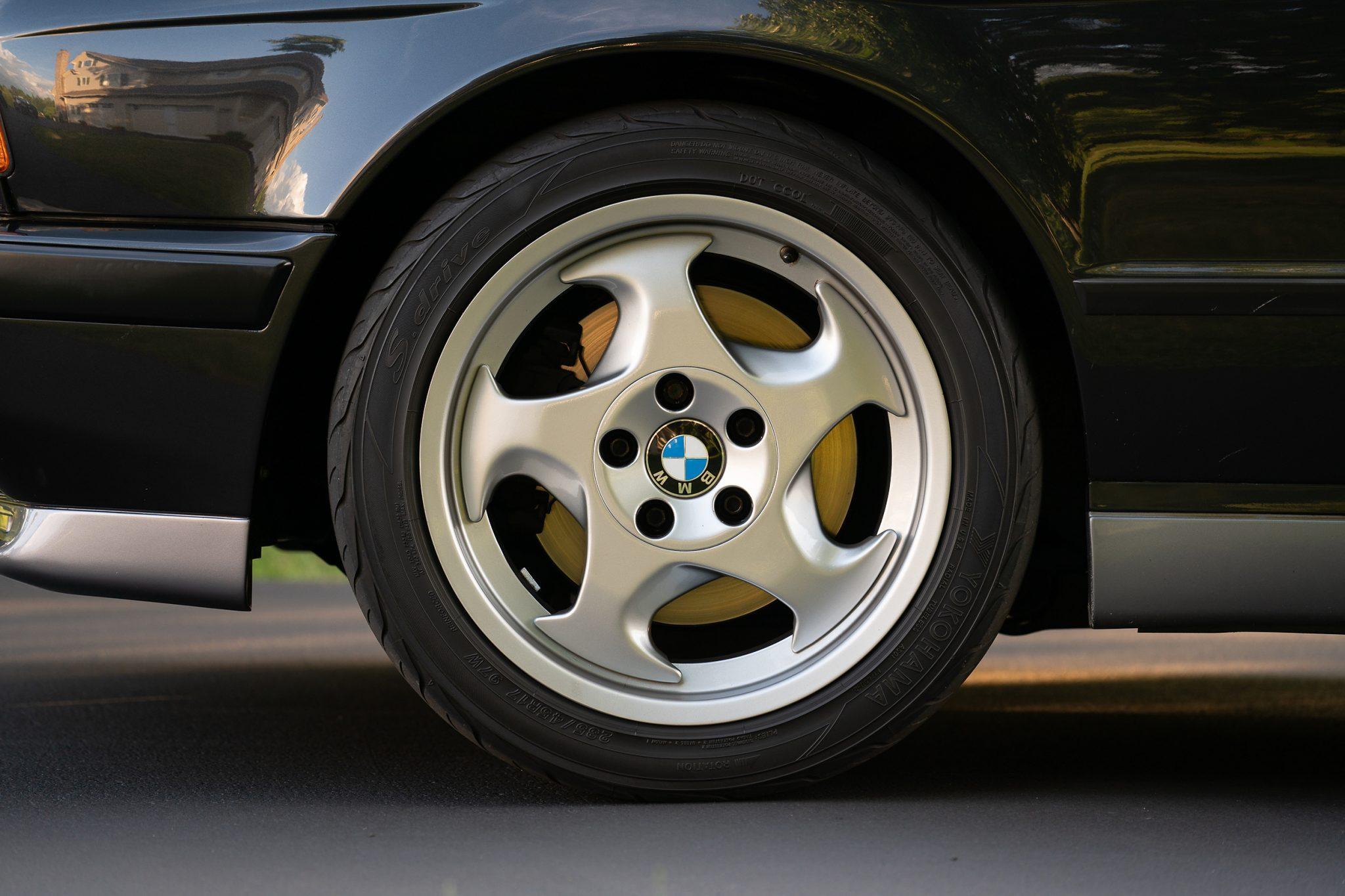 1992_BMW_M5_Touring_sale_0011