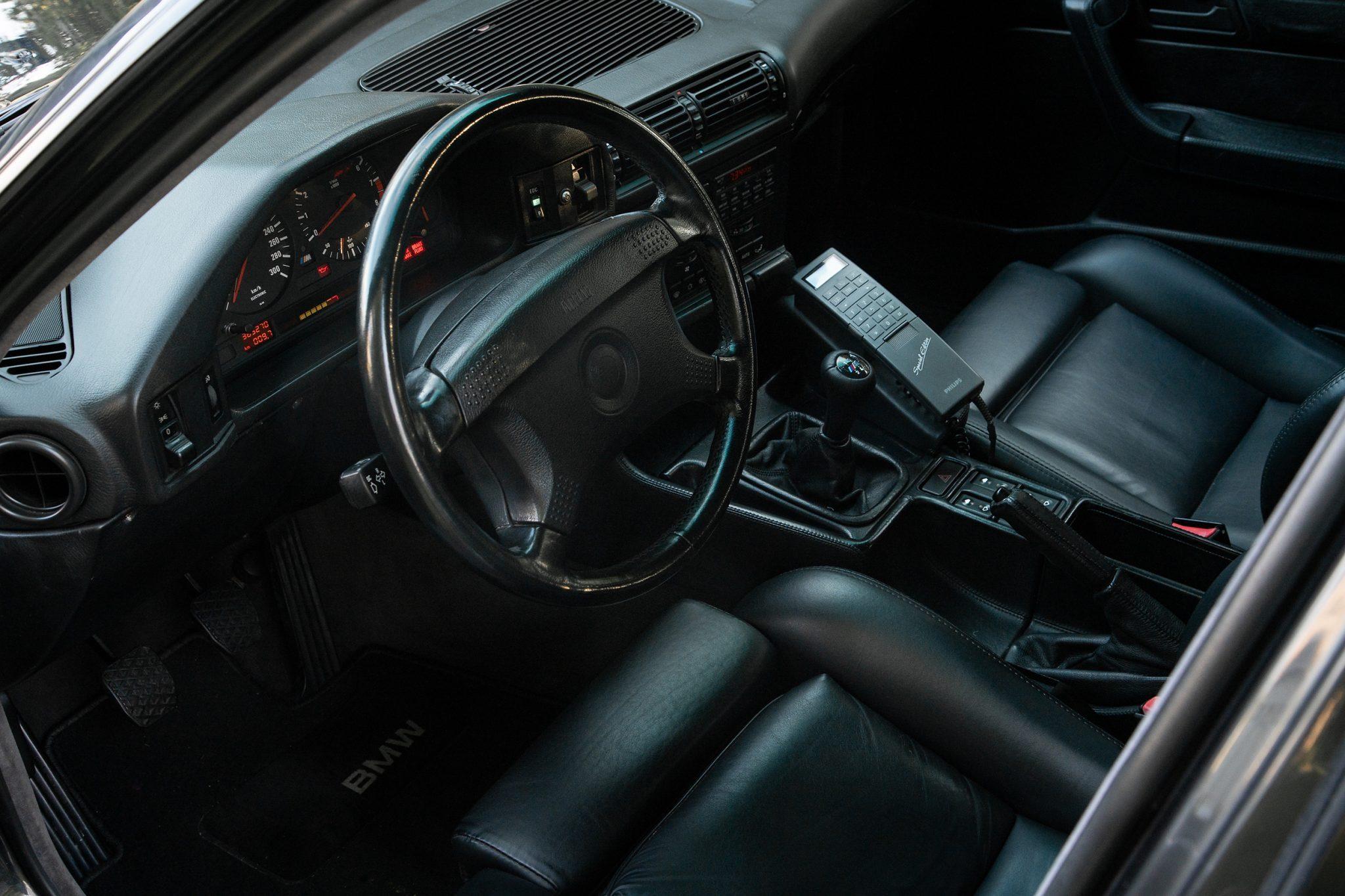 1992_BMW_M5_Touring_sale_0012