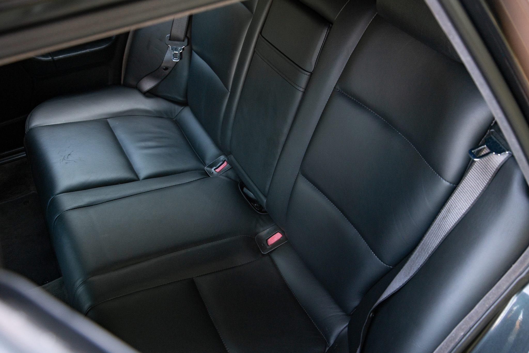 1992_BMW_M5_Touring_sale_0013