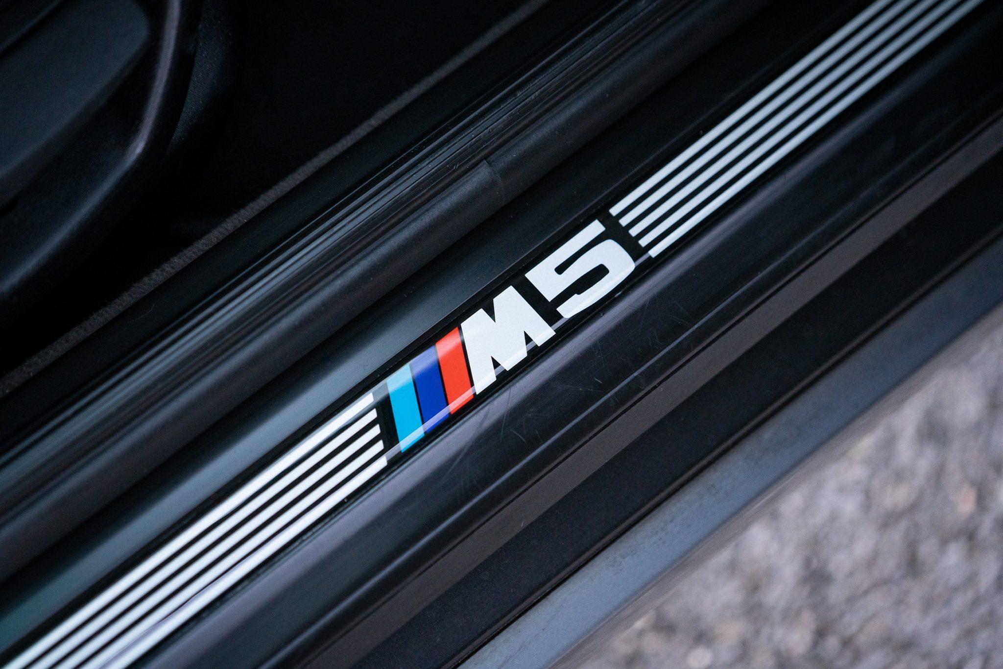 1992_BMW_M5_Touring_sale_0015
