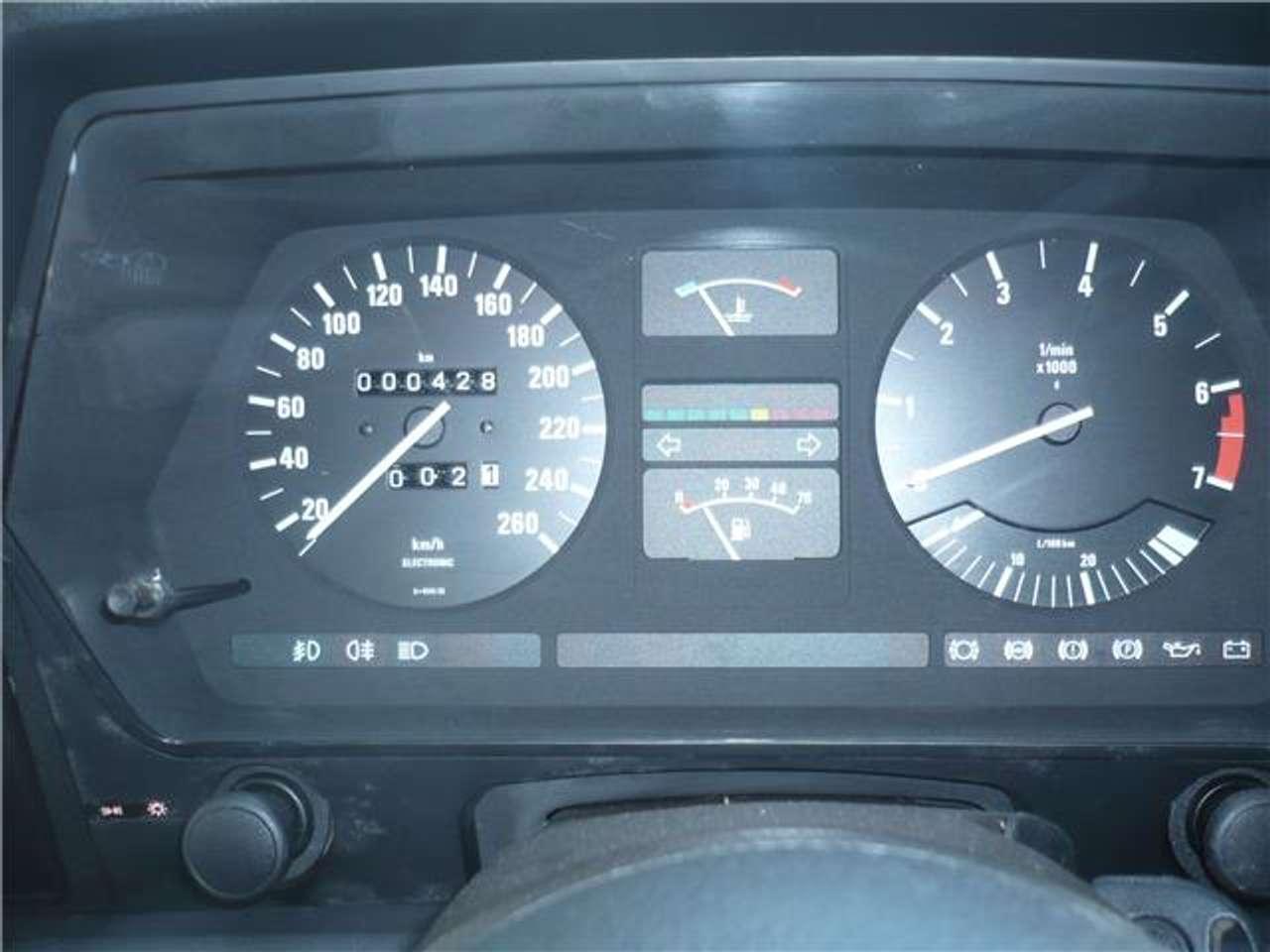 BMW-M635-CSi-1985-4