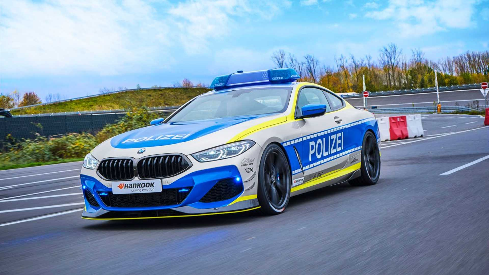 BMW-M850i-police-car-tune-it-safe-17