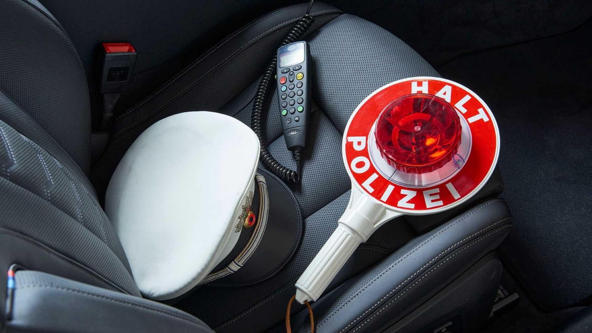 BMW-M850i-police-car-tune-it-safe-43