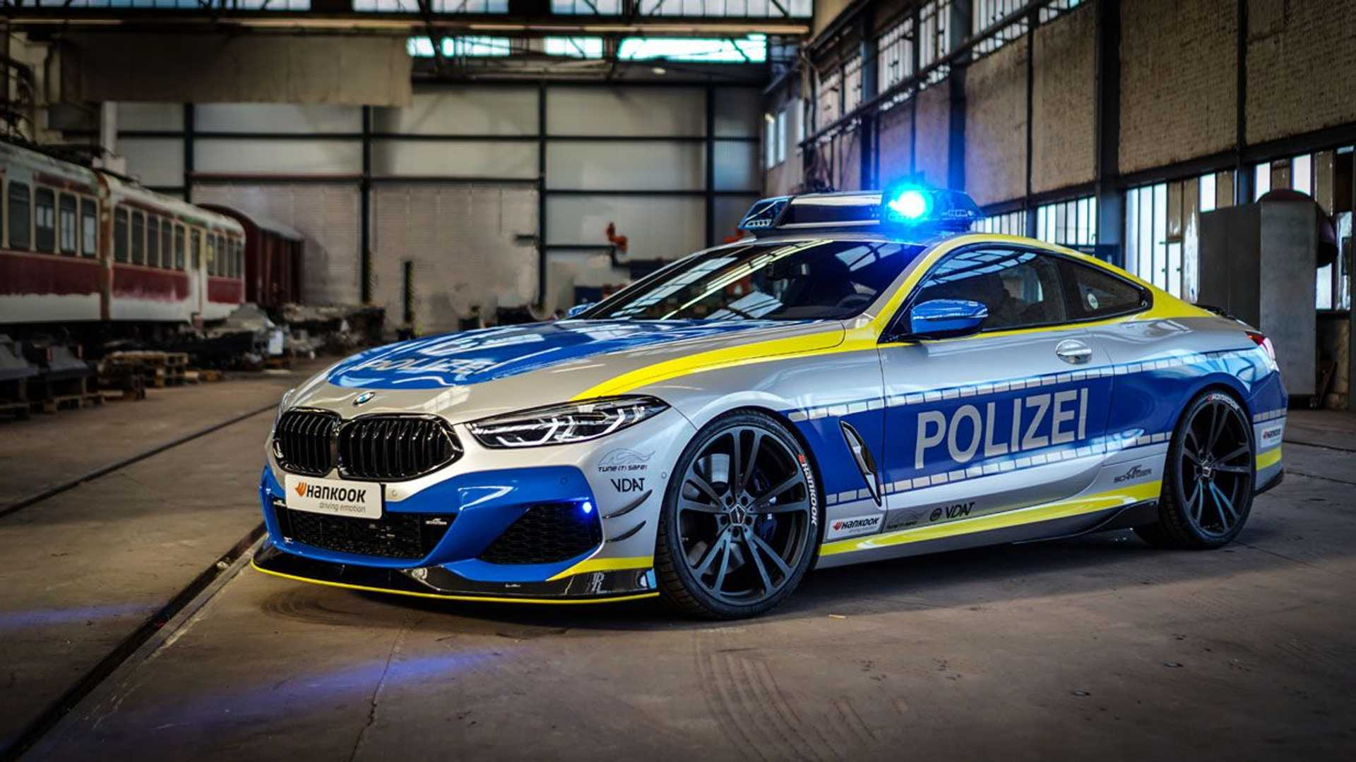 BMW-M850i-police-car-tune-it-safe-8