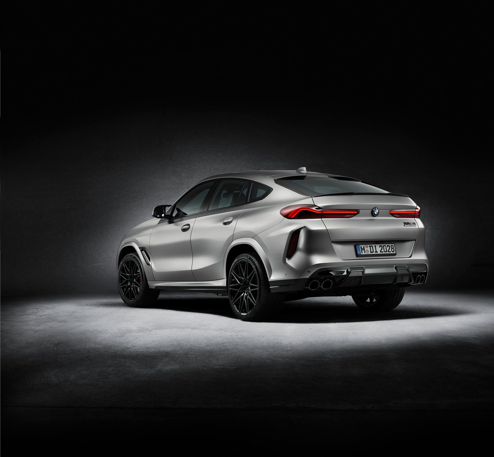 BMW-X5-M-X6-M-Competition-First-Editions-3