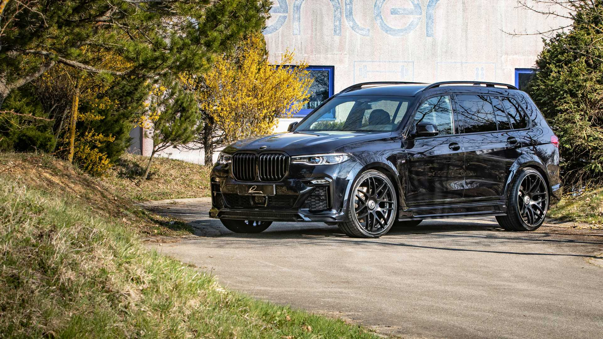 BMW-X7-By-Lumma-Design-1