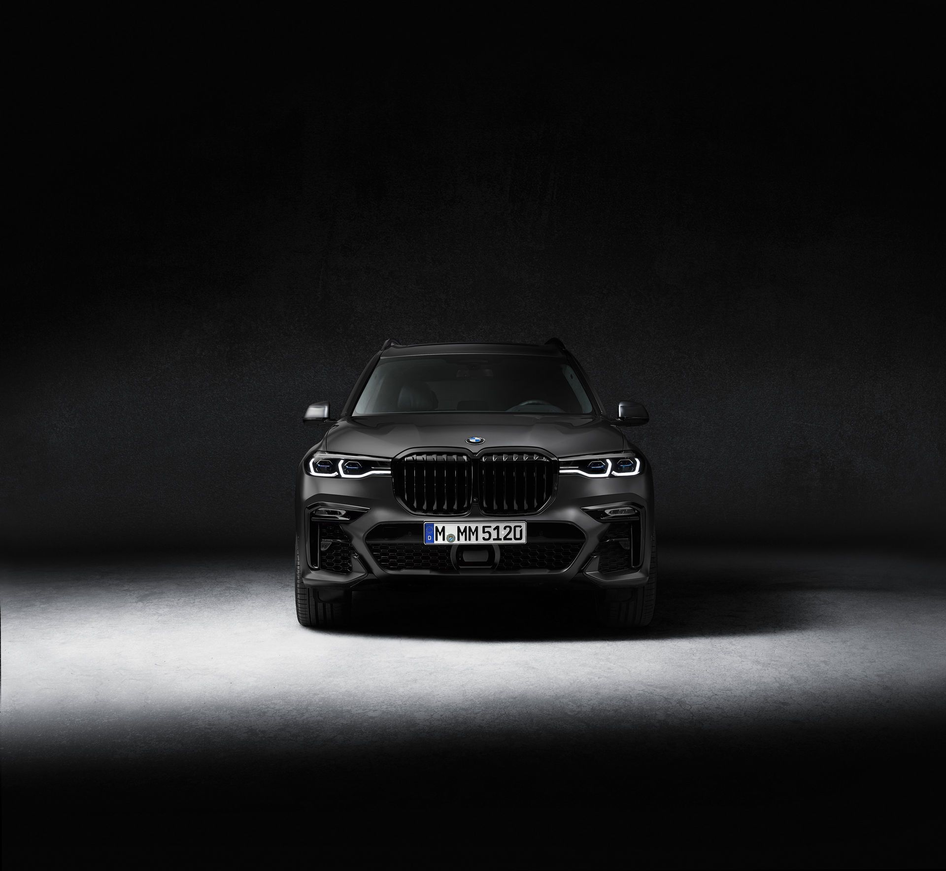 BMW-X7-Dark-Shadow-Edition-10
