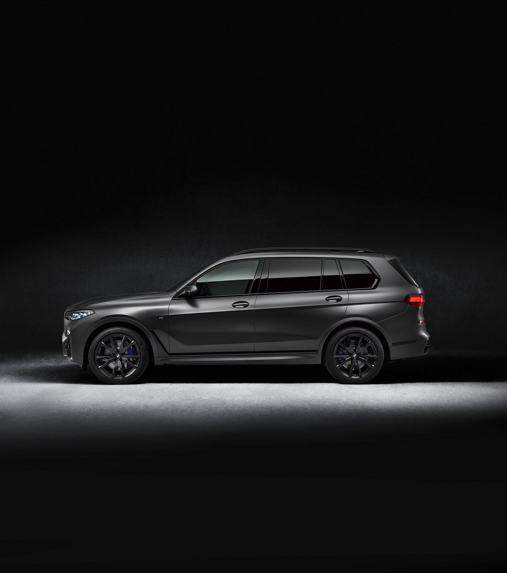BMW-X7-Dark-Shadow-Edition-12