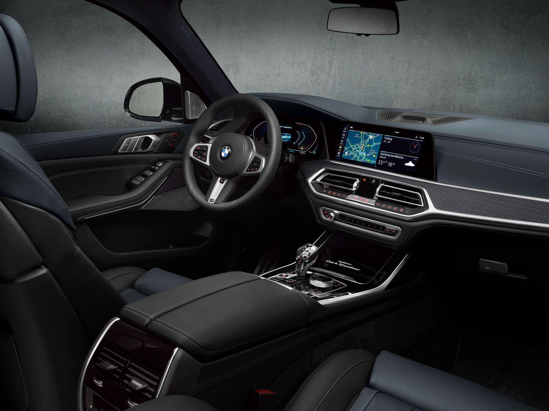 BMW-X7-Dark-Shadow-Edition-15
