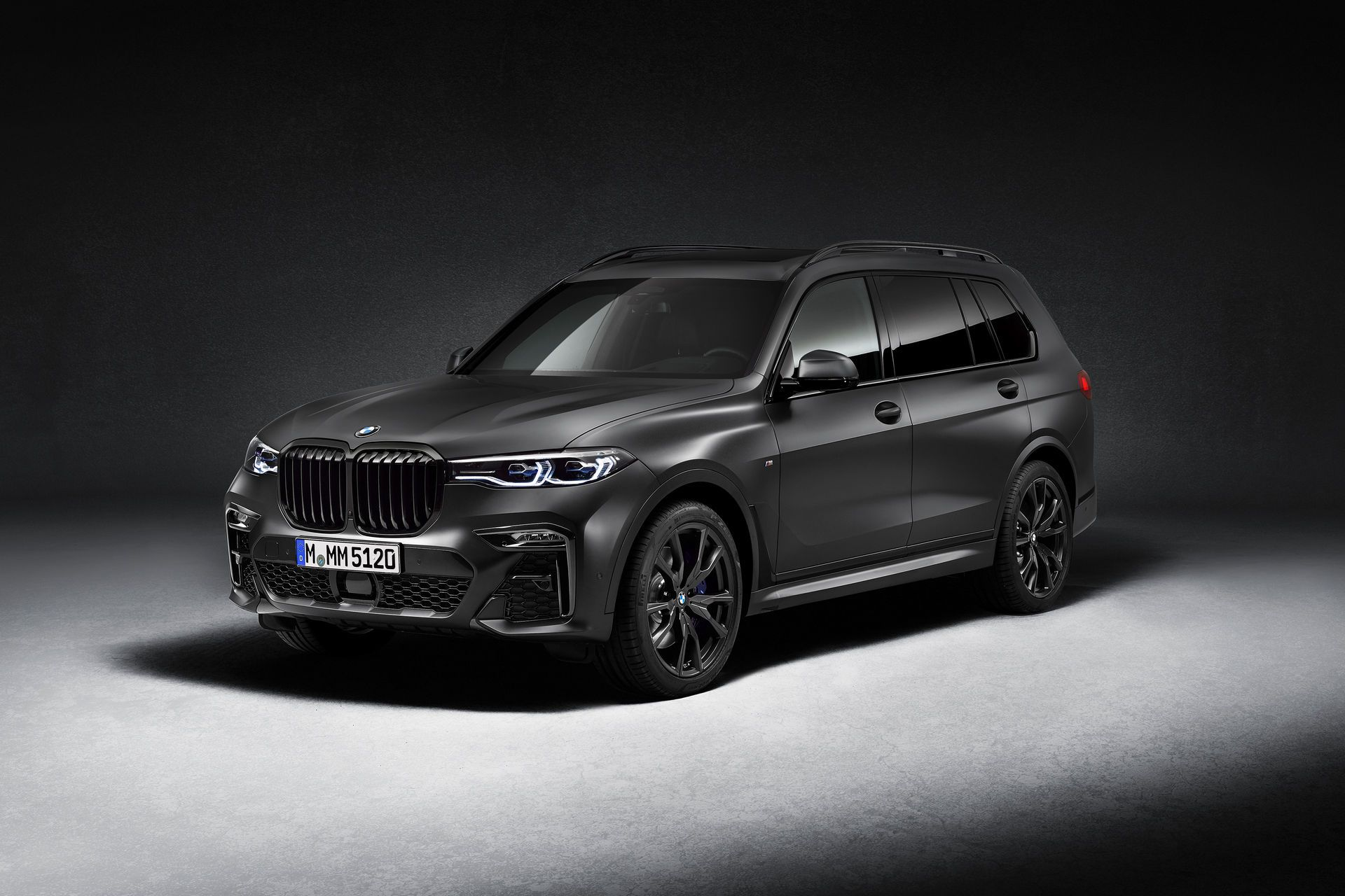 BMW-X7-Dark-Shadow-Edition-2