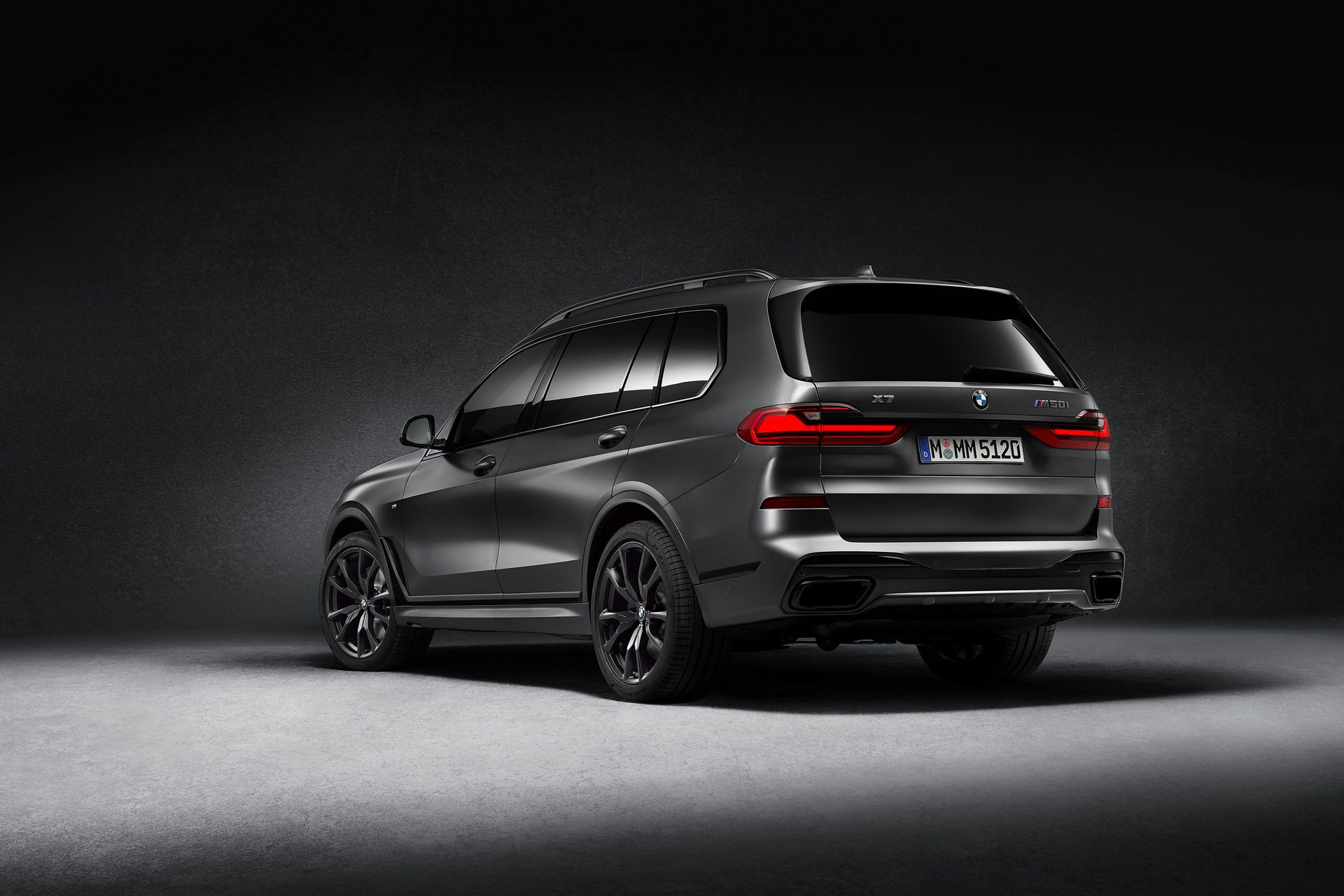 BMW-X7-Dark-Shadow-Edition-5