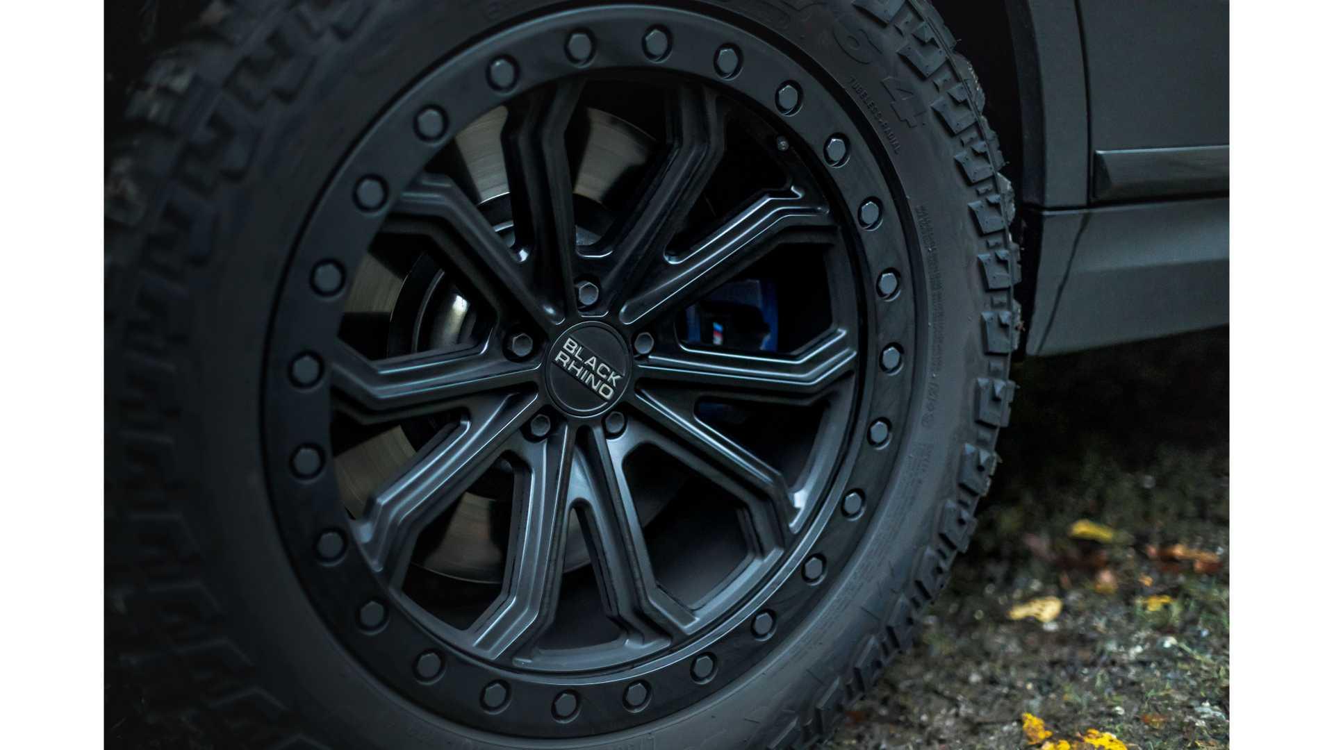 BMW-X7-Dirt-Edition-By-Manhart-11
