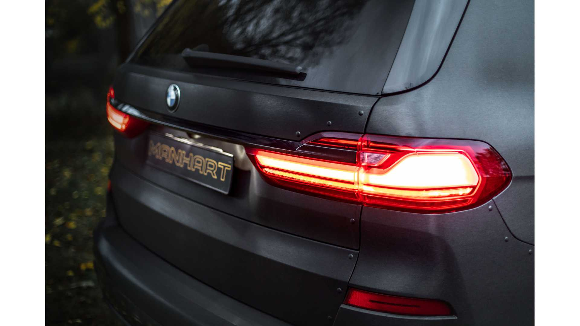 BMW-X7-Dirt-Edition-By-Manhart-12