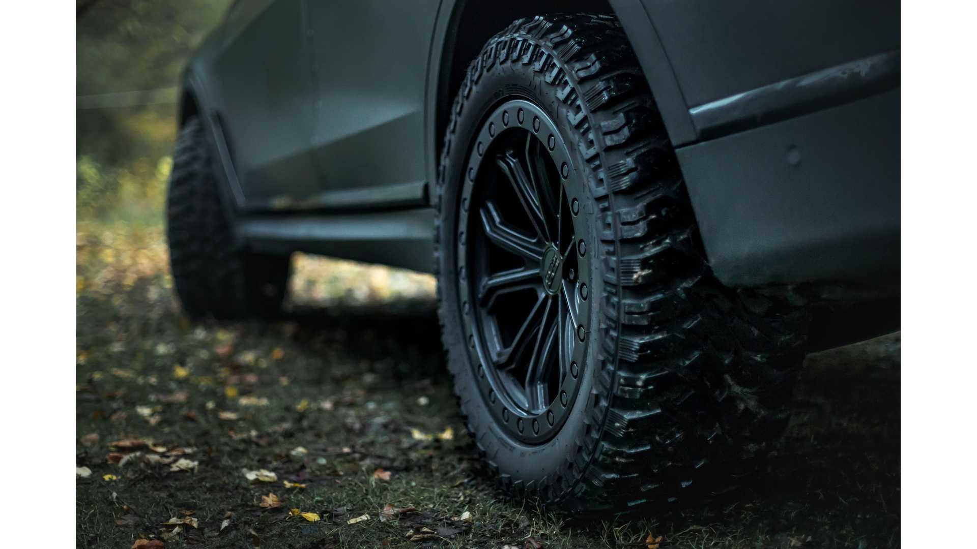 BMW-X7-Dirt-Edition-By-Manhart-13