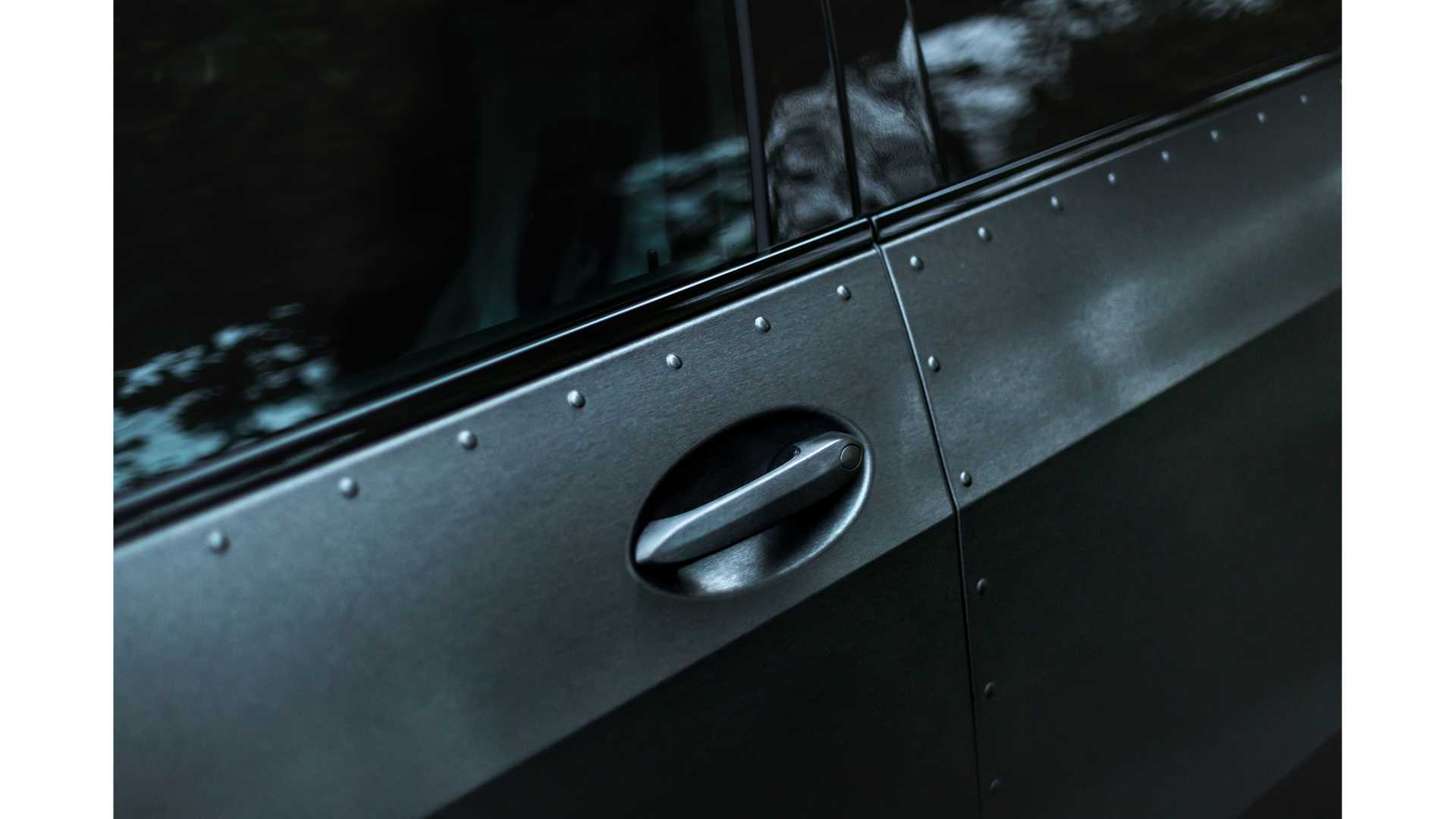 BMW-X7-Dirt-Edition-By-Manhart-9