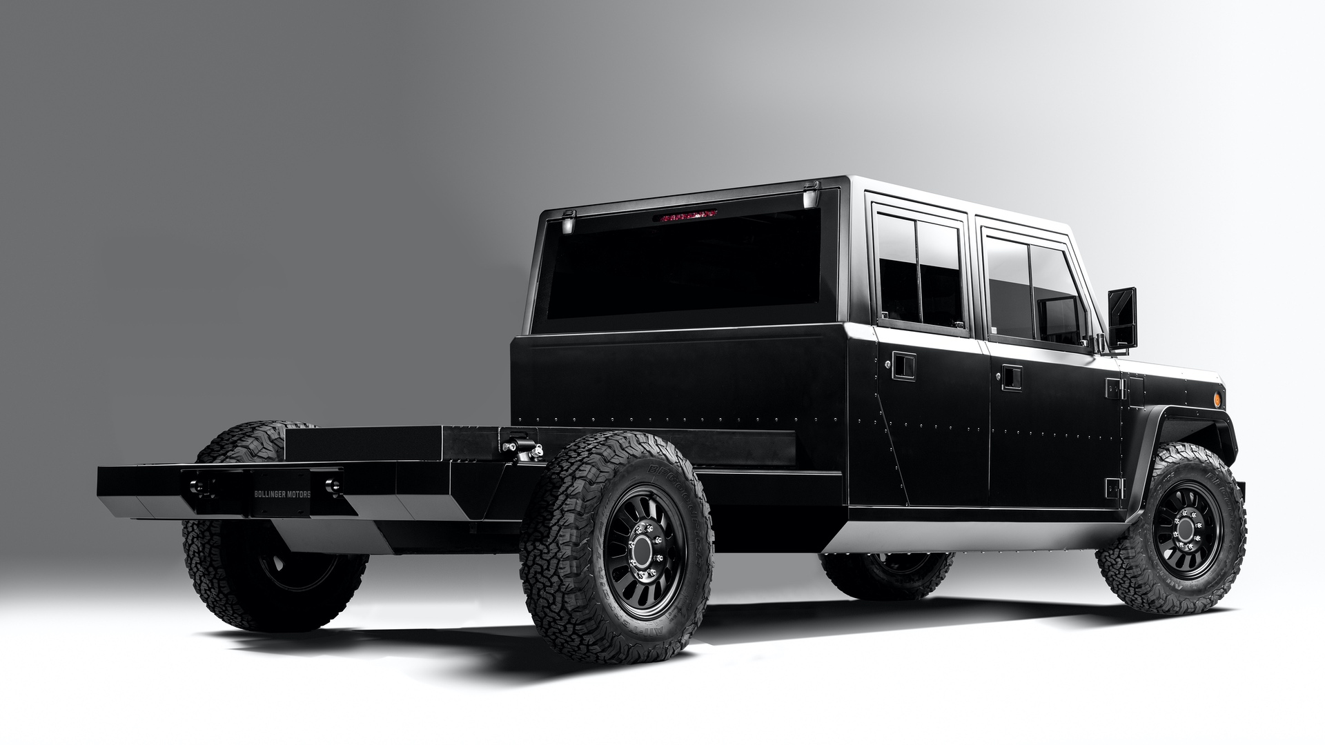 Bollinger-Motors-B2-Chassis-Cab-4-Door-Closed-3_4-rear