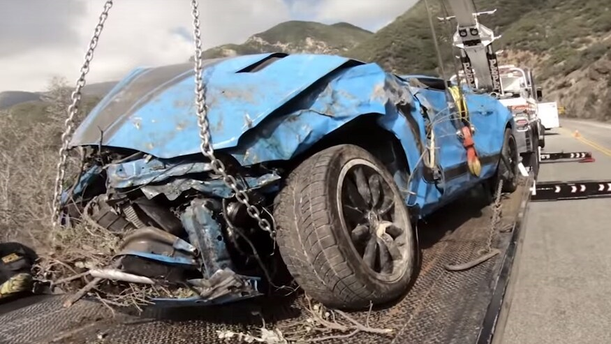 Ford-Mustang-Boss-302-crash-2