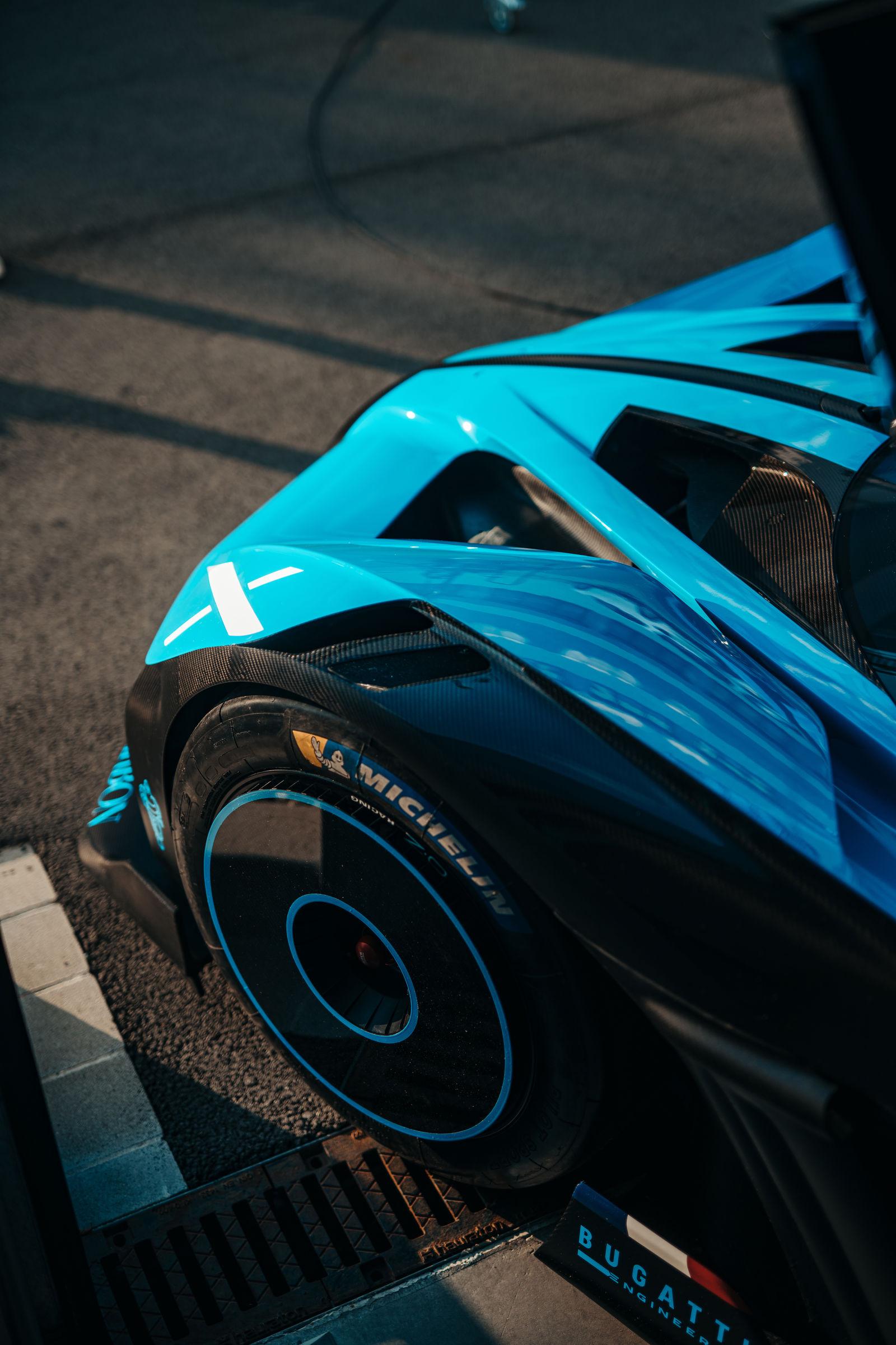 Bugatti-Bolide-concept-photos-15
