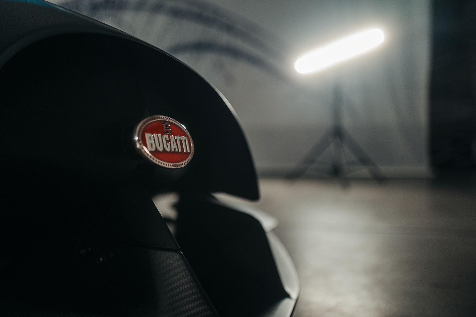 Bugatti-Bolide-concept-photos-17