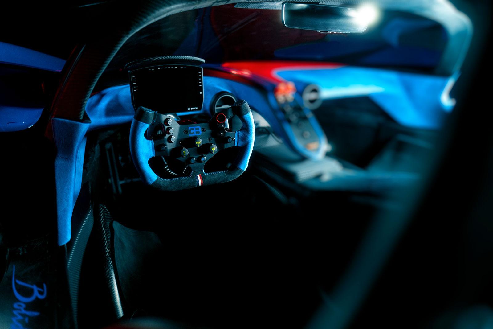 Bugatti-Bolide-concept-photos-18