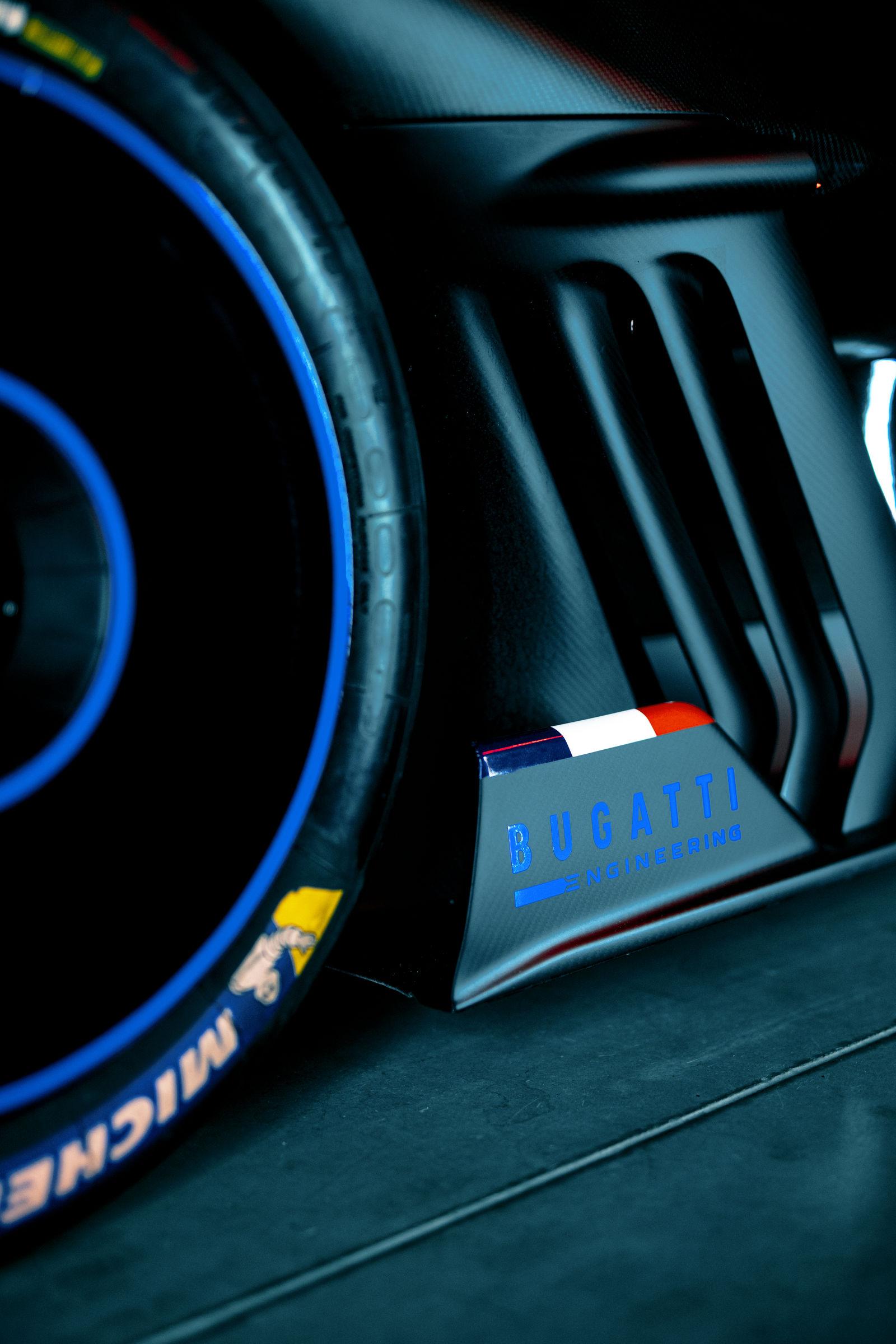 Bugatti-Bolide-concept-photos-21