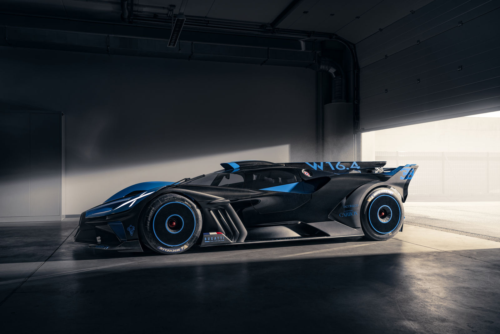 Bugatti-Bolide-concept-photos-6