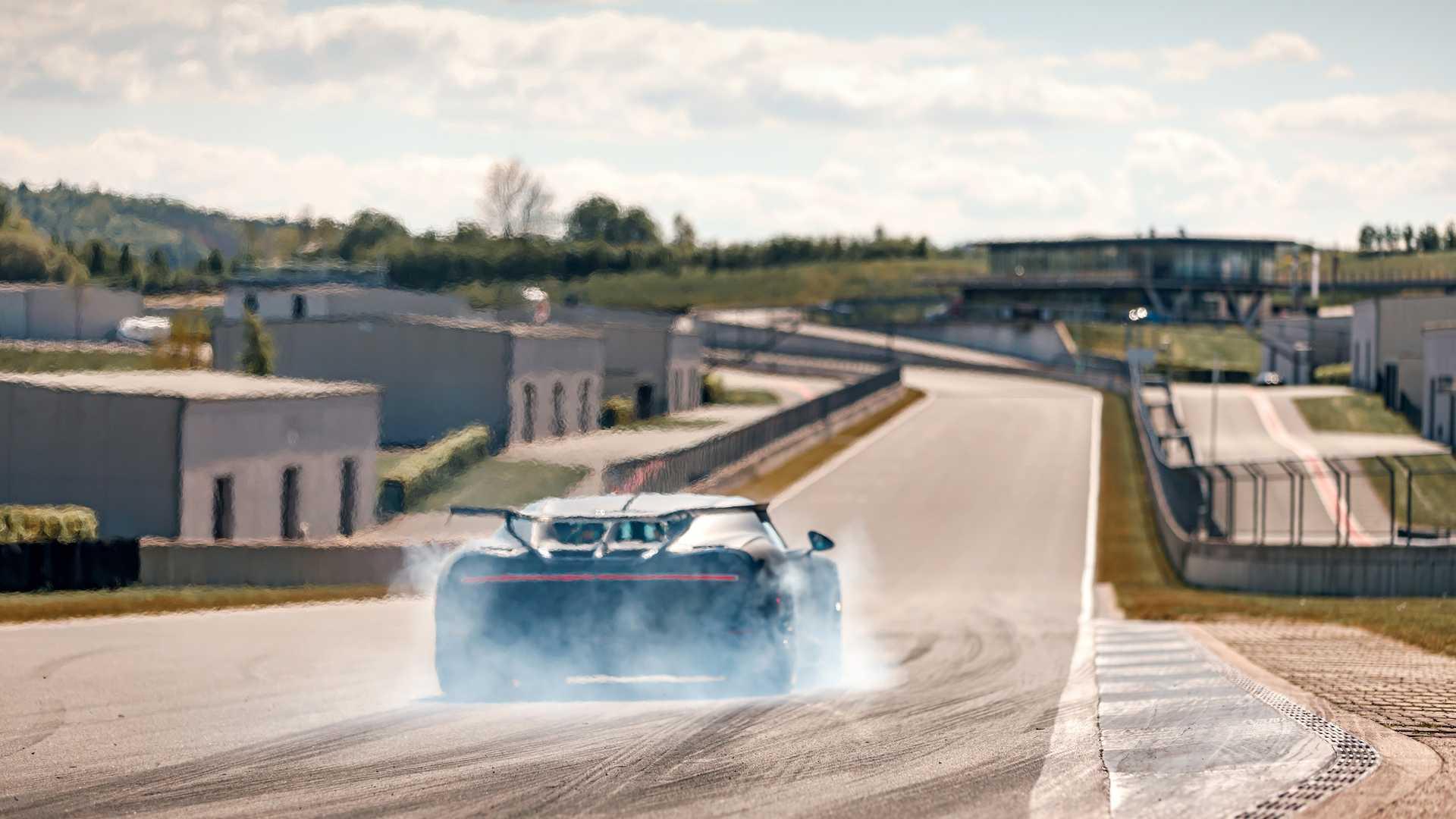 Bugatti_Chiron_Pur_Sport_Bilster_Berg_0011