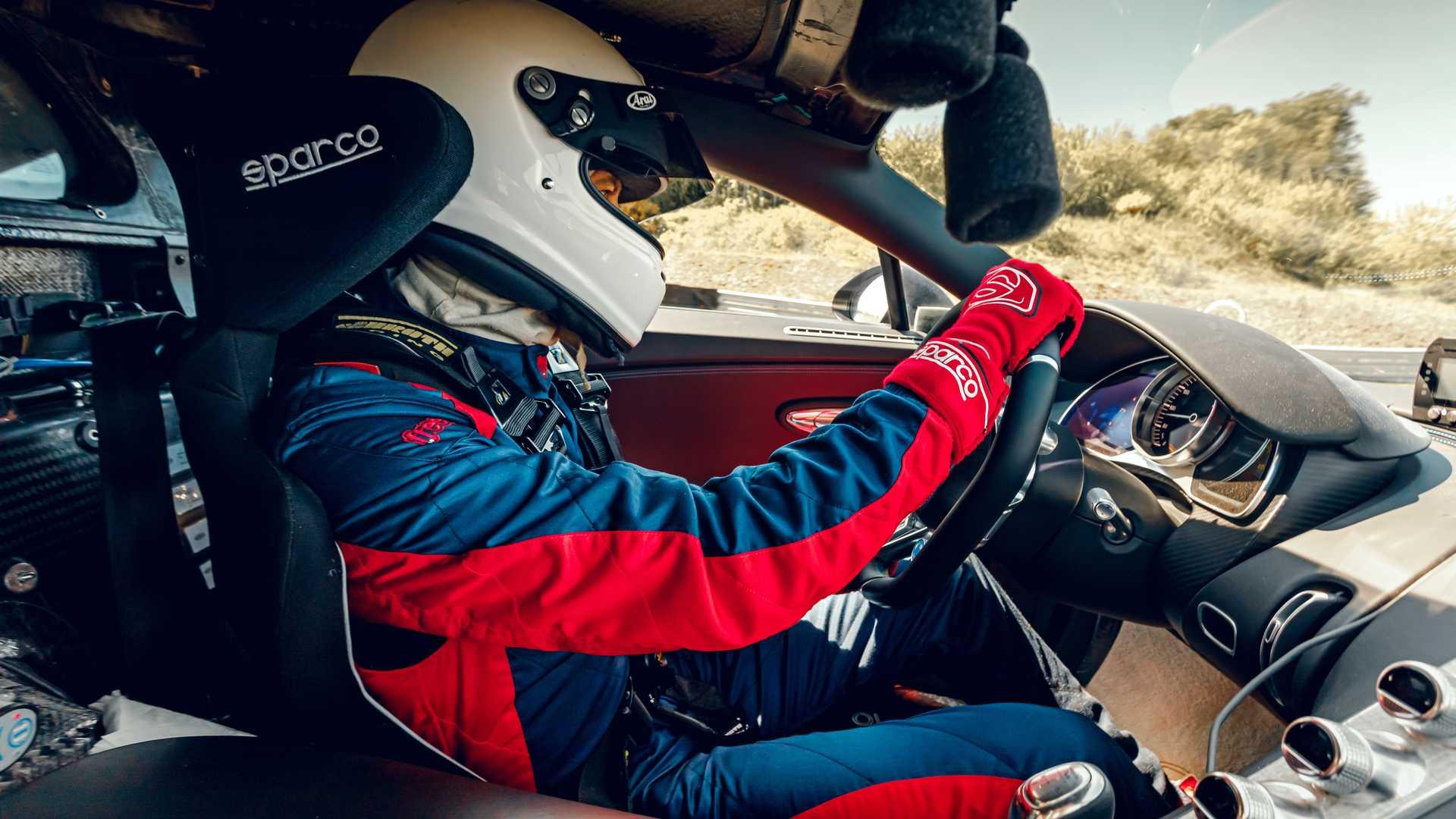 Bugatti_Chiron_Pur_Sport_Bilster_Berg_0025