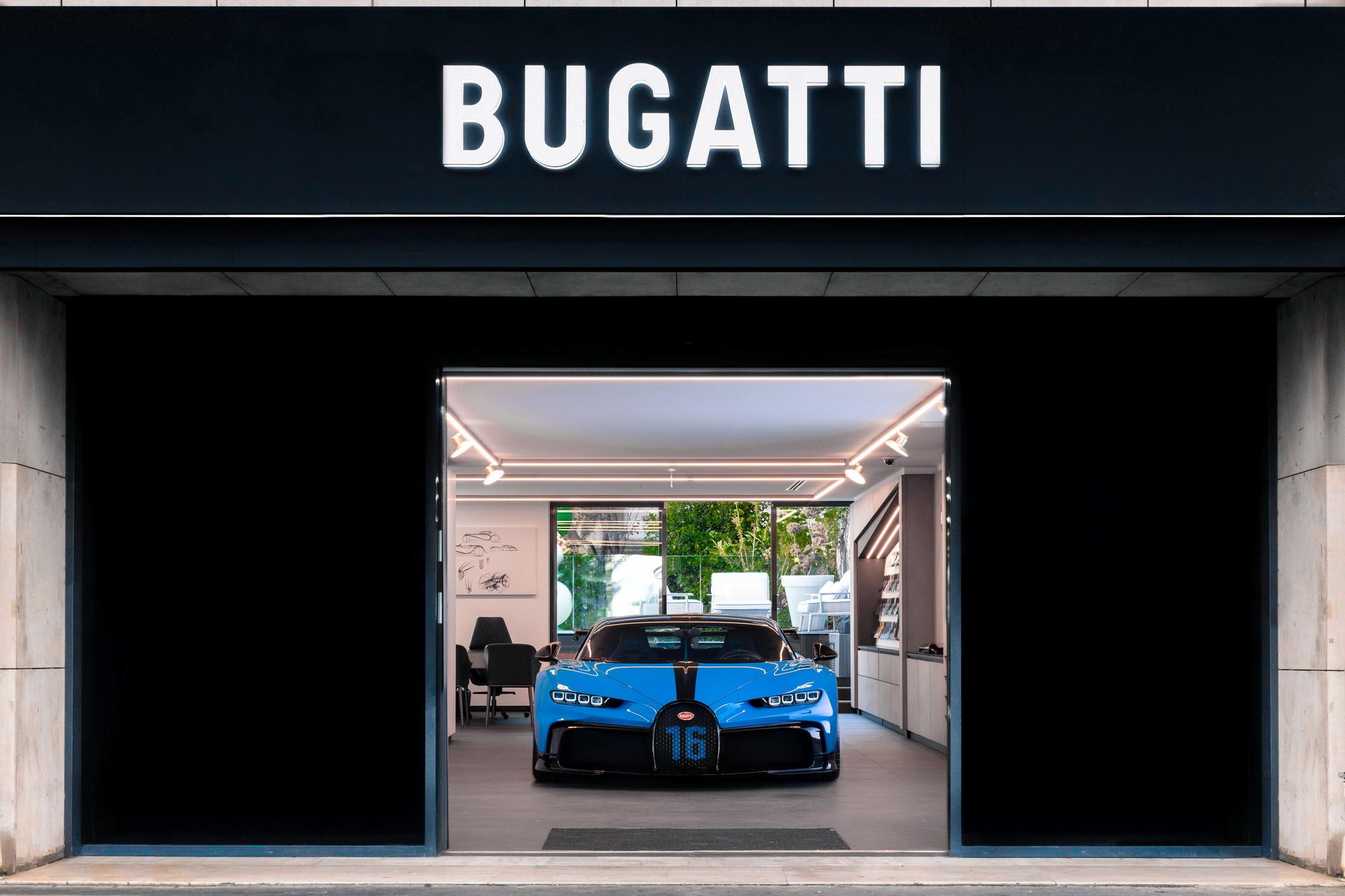 Bugatti_Chiron_Pur_Sport_road_trip_0005