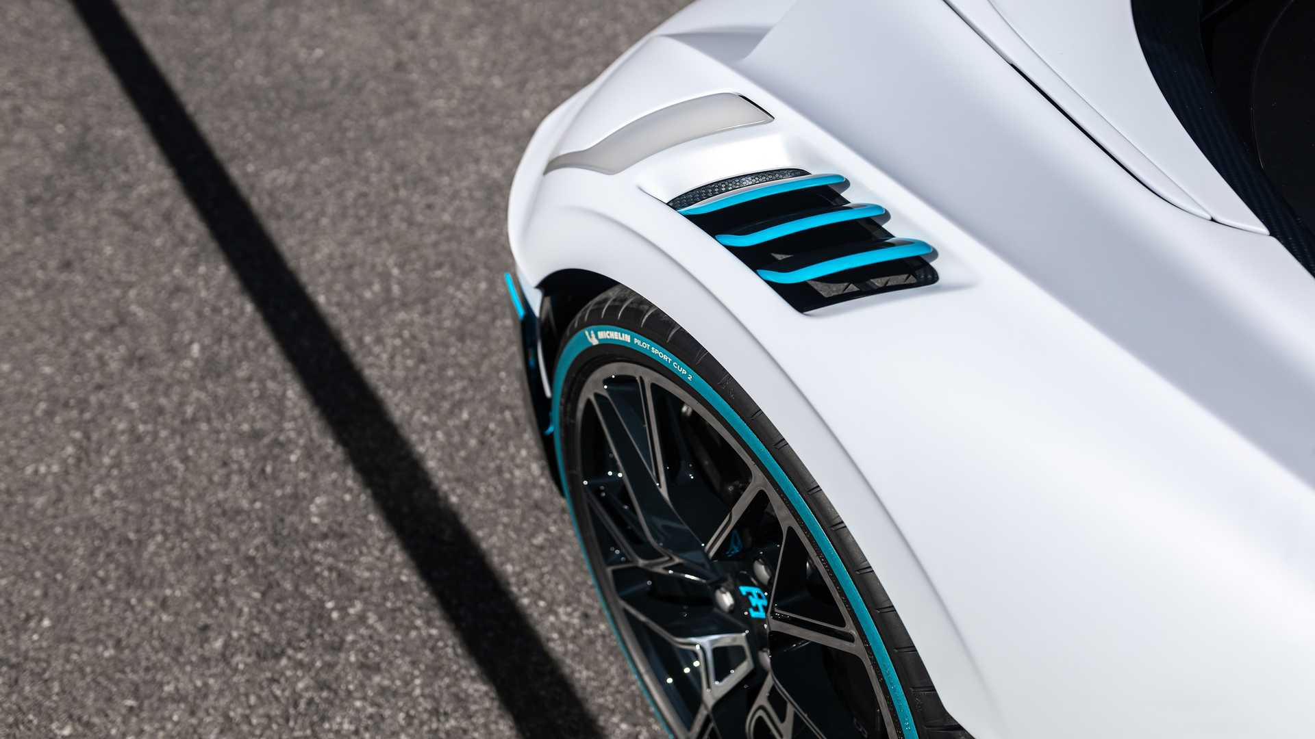 Bugatti_Divo_deliveries_0006