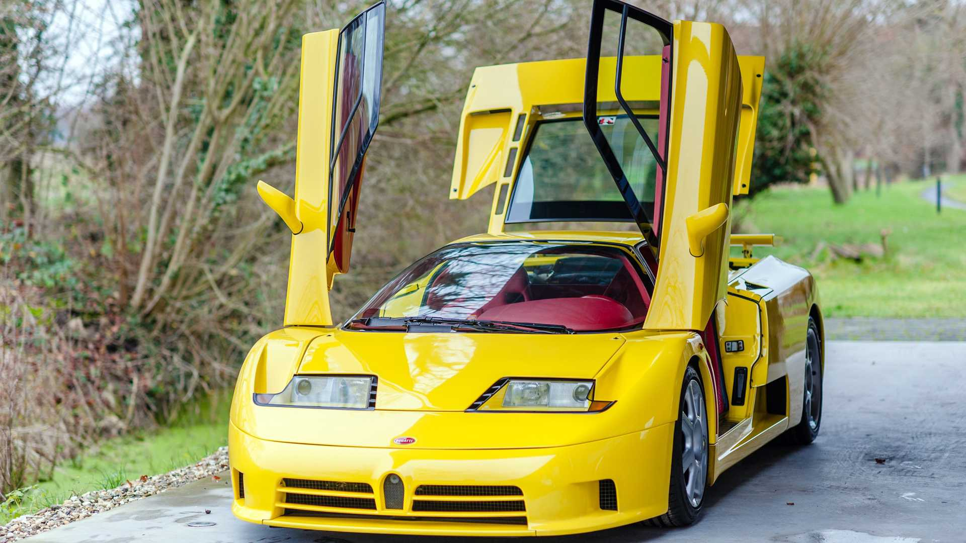 Bugatti_EB110_SS_sale_0000