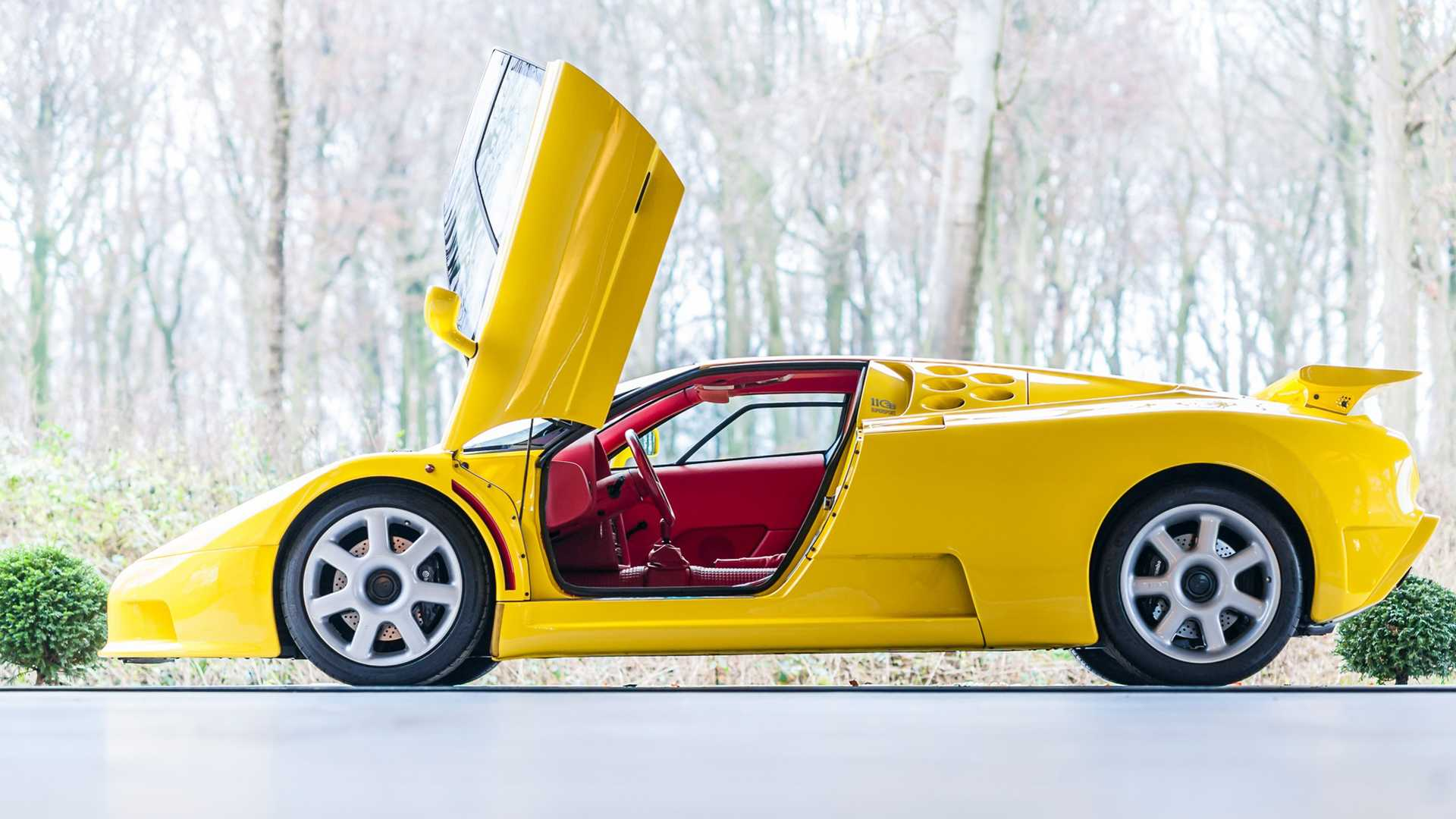 Bugatti_EB110_SS_sale_0006