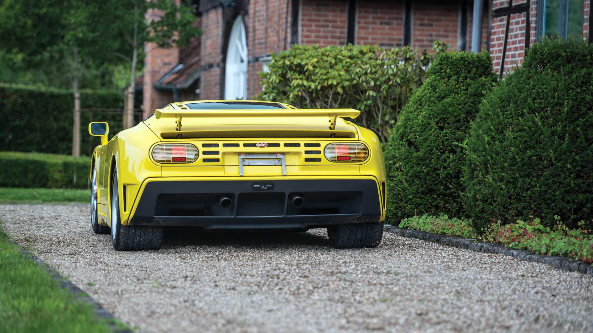 Bugatti_EB110_SS_sale_0007