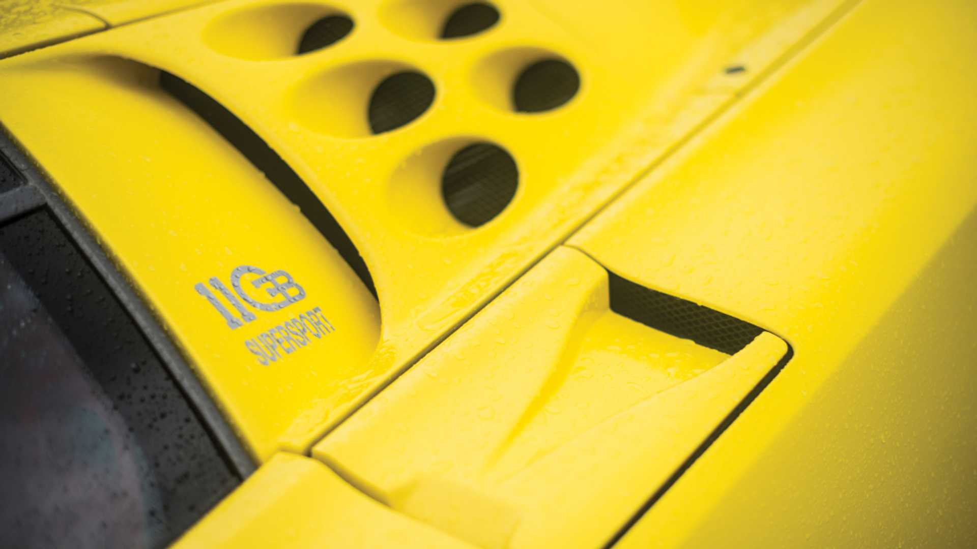 Bugatti_EB110_SS_sale_0009
